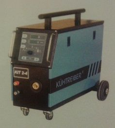 Kühtreiber KIT 2-4PW Synergic, podavač 4kladka, s vedením vody